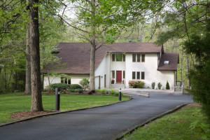 4 Ways to Extend the Life of Your Asphalt Driveway